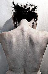 女性の背骨